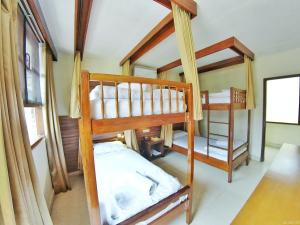 Backpacker Dorm Bed murah AC standar hotel di Batu Malang