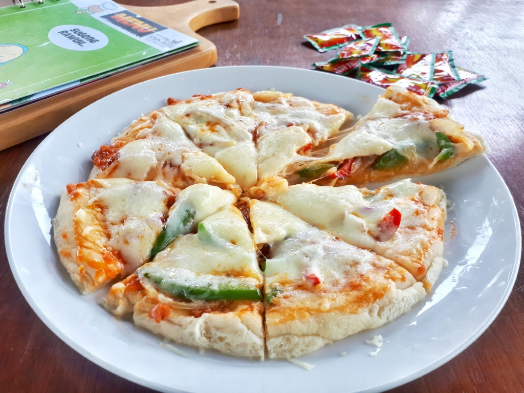 Pizza Deluxe Cheese