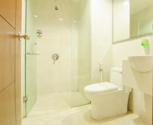 Deluxe Room - Bathroom kamar hotel murah dekat Museum Angkut