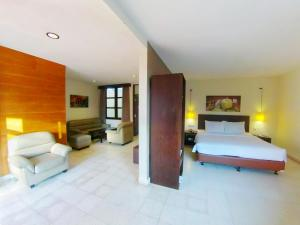 Suite Room kamar hotel Batu Malang murah di Batu Malang dekat Museum Angkut & Jatim Park